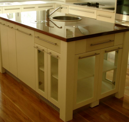 Polyurethane Kitchen With Solid Timber Laminated Benchtop