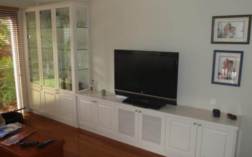 Polyurethane Tv And Display Cabinet With Routered Door Panelling