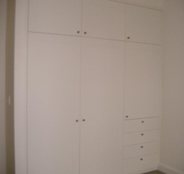 Polyurethane Wardrobe With 33mm Surround